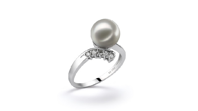 View White Japanese Akoya Pearl Rings collection